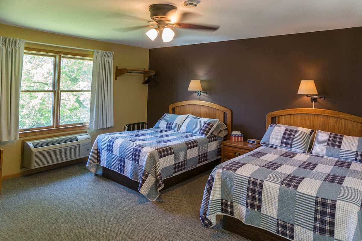 Picture of: Rooms And Amenities Places To Stay In Trempealeau Little Bluff Inn